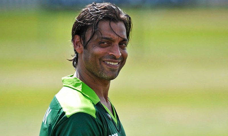 bTop 10 Most Popular Cricketers in the World