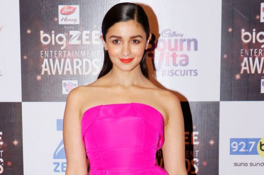 Top 10 Most Popular Bollywood Actresses 2018