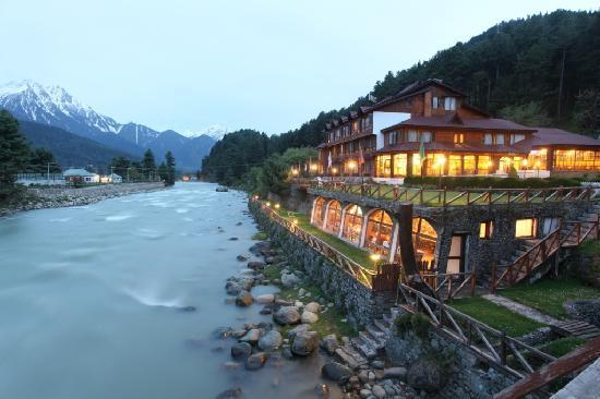 Top 10 Honeymoon Hill Stations in India for Newly Good