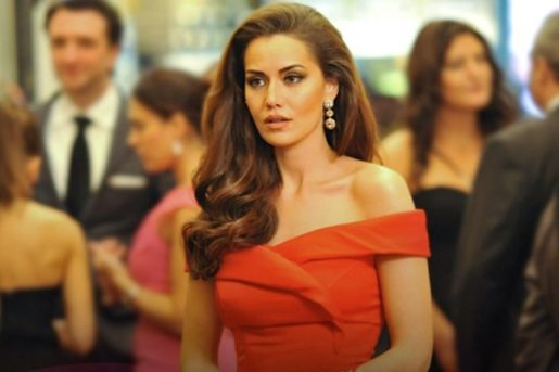 Fahriye Evcen Top 10 Most Beautiful Muslim Women in the World