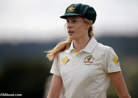 Top 10 Most Beautiful Women Cricketers in the World 2018
