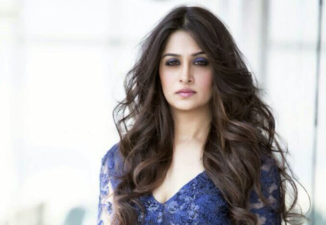Top 10 Most Sexiest Indian TV Actresses 2018