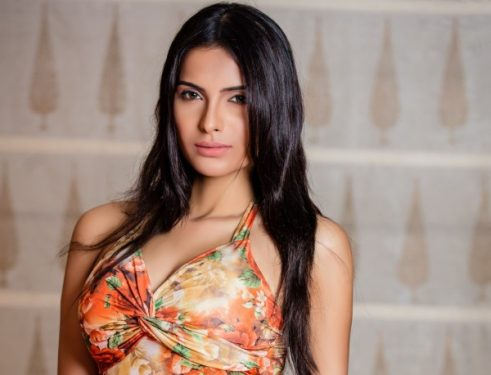 Top 10 Most Sexiest Indian Models